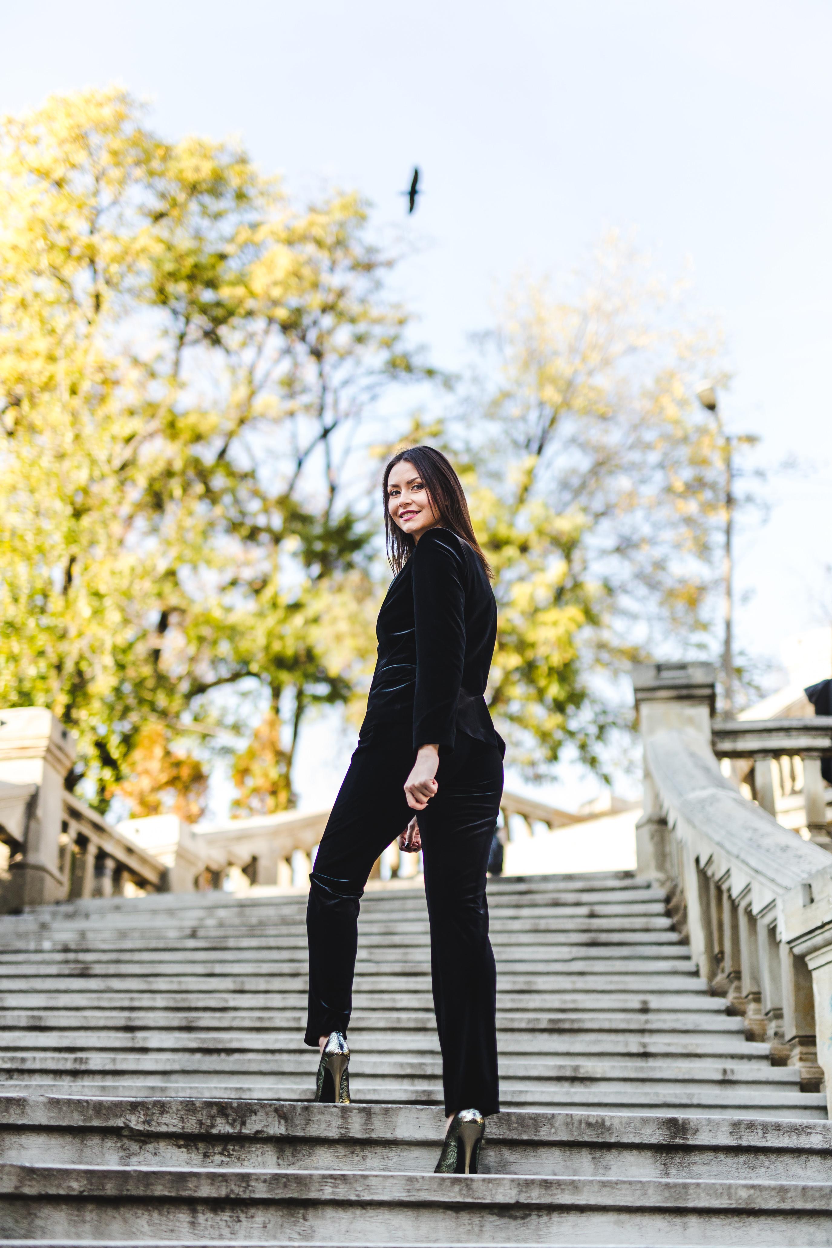 costum-negru-din-catifea-nichi-cristina-nichita-6
